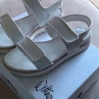 Wittner white shoes