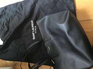 購於2017英國,收據搵唔返,無keep單,但有dust bag,用過,authentic