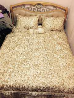 Queen size bedsheet