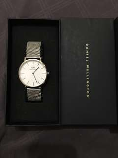 Authentic DW Classic Petite Silver 32mm