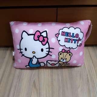 Hello kitty 枕頭