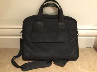Laptop cross bag