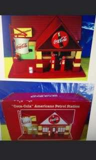 可口可樂 加油站膠擺設