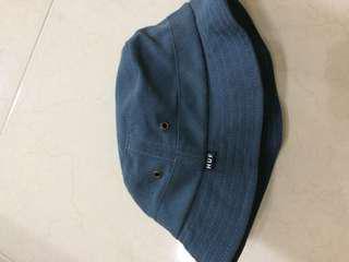 🚚 HUF 漁夫帽 休閒 鐵灰藍 9成新 滑板