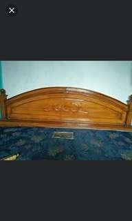 Spring bed dan tempat tidur kayu
