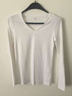 Uniqlo Supima Cotton V neck