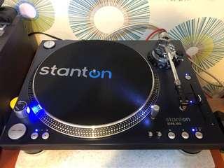 Stanton Str8-150 professional DJ turntable