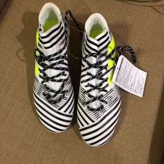 Adidas soccer shoes/ Nemeziz 17.3 HG /size 7