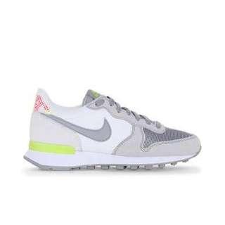 Nike Women's Internationalist Suede, Size 7