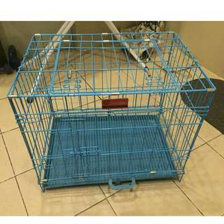 Dog crate in blue