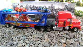 Mobil RC truck MAC + set mc queen & friend