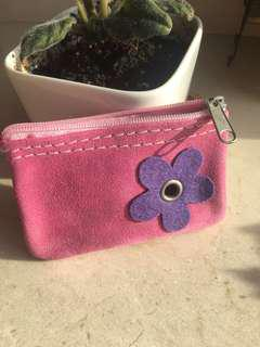 Girlie pink daisy suede pouch bought in 🇧🇪 Belgium, Europe