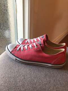 Converse dainty women's Chuck Taylor, pink, size 8