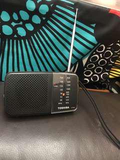 Toshiba handy size AM/FM radio TX pr20
