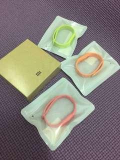 🚚 全新-小米手環1代(送三個手環)