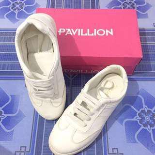 Sepatu Putih white sneakers