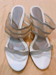 Eclipse 3 inch white shoes