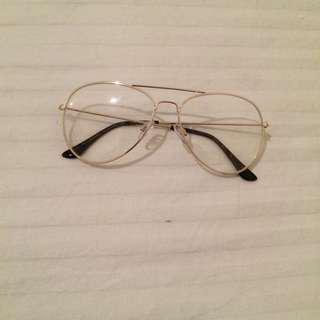 Faux gold rimmed aviator glasses