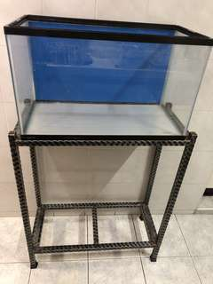 2ft Wrought Iron Stand c/w 2ft GEX fish Tank