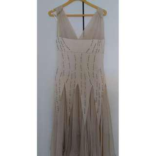 STUNNING BEIGE SILK EVENING DRESS