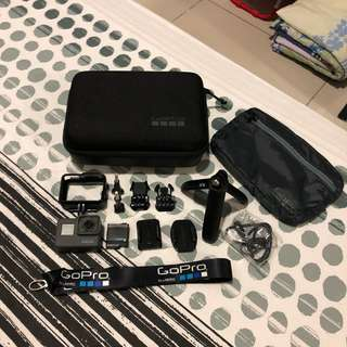 GoPro Hero 5 Black Edition With Accesories