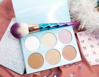 Skinpotions Glowbomb Highlighter Palette with free brush!