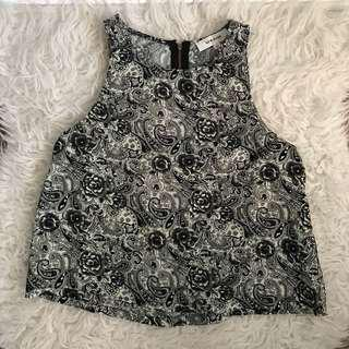 Maxim black and white floral pattern crop top size s 8