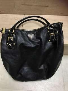 PRADA 全羊皮黑色則孭袋(8成新)