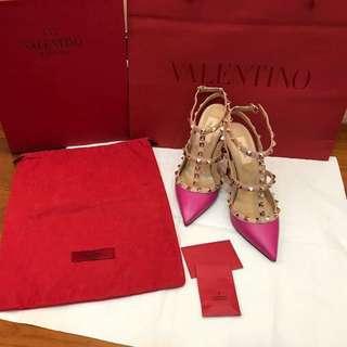 🚚 Valentino經典卯釘桃粉色高跟鞋