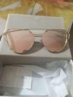 Kacamata wanita merk dior
