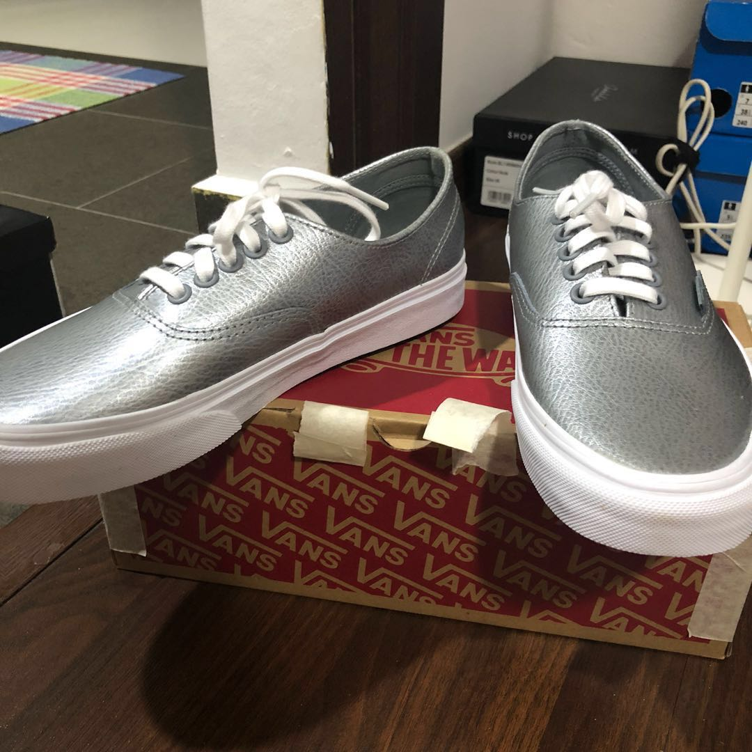 60cbaf28daa26e BNIB VANS Authentic Decon (Metallic Leather) Gray