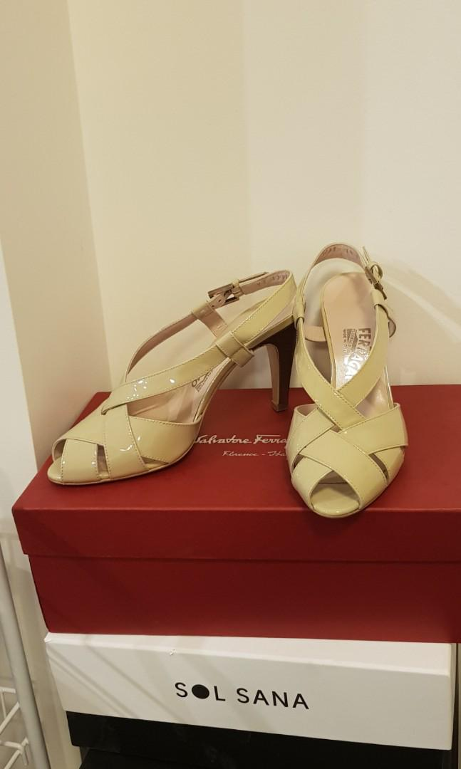 Price drop Ferragamo heels