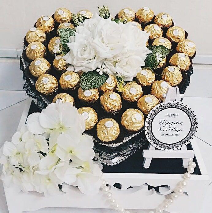 Gubahan Ferrero Roche Love