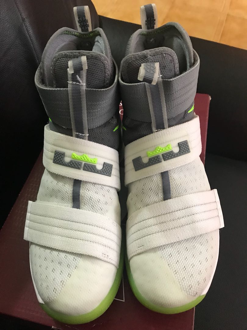 """check out 05576 9ce7e Lebron soldier 10 """"dunkman"""", Men s Fashion, Footwear, Sneakers on Carousell"""