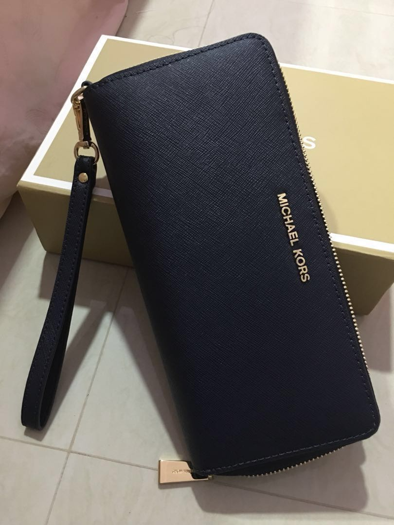 3472d3df0414 Michael Kors Jet Set Travel Leather Continental Wallet / Wristlet ...