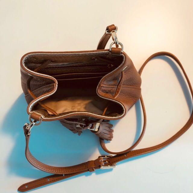 ce401a194c10 Tory Burch Mini Thea Bucket Bag Tan