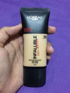 Loreal Infallible Pro-Matte Foundation 104 Golden Beige