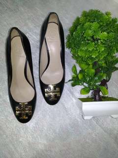 💯% GUARANTEED AUTHENTIC TORY BURCH HEELS BLACK SHOES - Size 5