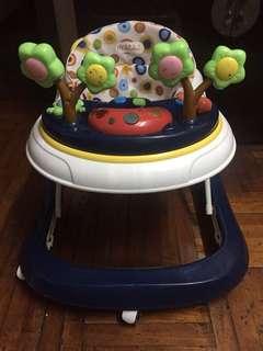 二手嬰兒學行車:可以播放音樂