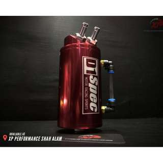D1 SPEC 0.7L 10mm Round Red BIlet Aluminium Engine Oil Catch Tank Can Reservoir
