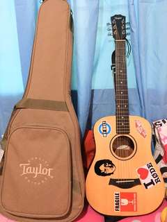 Limited Edition Baby Taylor (BT1-e) with free Fender Frontman 10G Electric Guitar Amplifier