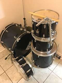 Drums in perfect condition!!