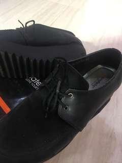 Donat Ello Black Shoes