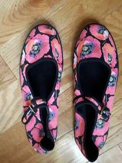 Water shoes - topshop - cute floral buckle design