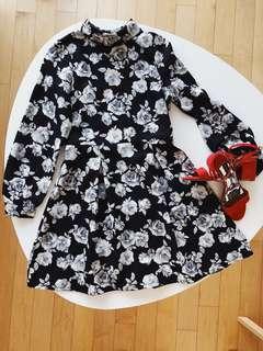 Vintage Black floral A-line dress Onesize suitable for XS/S