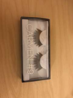 HUDA BEAUTY LASHES IN CARMEN- Brand new
