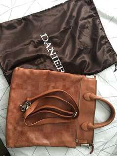 Danier Genuine Leather laptop Bag Briefcase Crossbody Purse