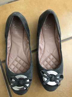 Used Vince Camuto flat shoes
