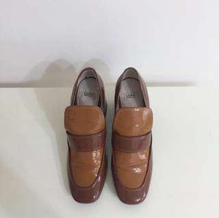 🚚 Zara 焦糖色復古 粗跟 高跟鞋