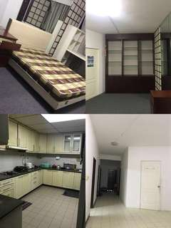 Queenstown/clementi  single/sharing room for rent